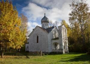 Piirissaare vana kirik.